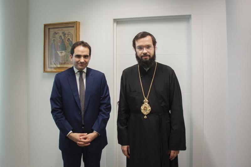 Paris : le métropolite Antoine de Chersonèse et d'Europe occidentale a reçu le chef du Bureau central des cultes