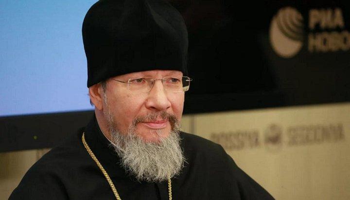 L'Église orthodoxe russe considère que le fait même de la concélébration de l'archevêque d'Athènes avec le patriarche de Constantinople ne constitue pas une reconnaissance de l'autocéphalie ukrainienne