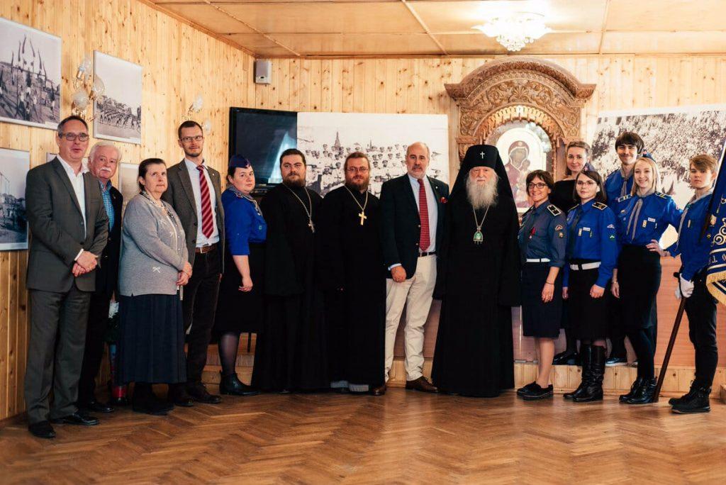 L'archevêque Michel (Donskoff) a inauguré l'exposition « Dieu est avec nous, que ressuscite la Russie ! » à Koursk