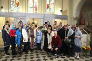 Visite de l'évêque pour les 125 ans de la paroisse de Cannes (EORHF)