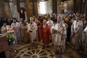 3000 fidèles se sont rassemblés pour la fête du fondateur du monastère de Dečani (Kosovo)
