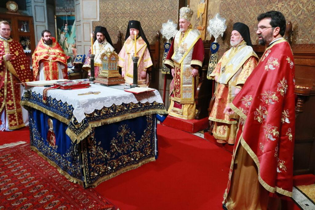 Célébration de la fête onomastiqu de la cathédrale orthodoxe grecque Saint-Stéphane à Paris