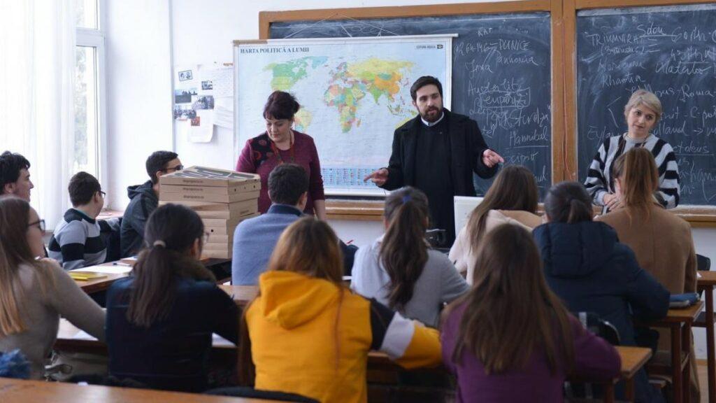 L'association roumaine « Pro Vita » de Iași mobilise 10.000 élèves pour aider les familles nombreuses de Moldavie