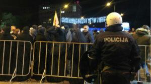 Des manifestations ont eu lieu à Podgorica et dans plusieurs localités du Monténégro contre la loi sur « la liberté religieuse » débattue au parlement