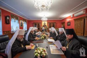 Déclaration du Saint-Synode de l'Église orthodoxe d'Ukraine au sujet des relations inter-orthodoxes
