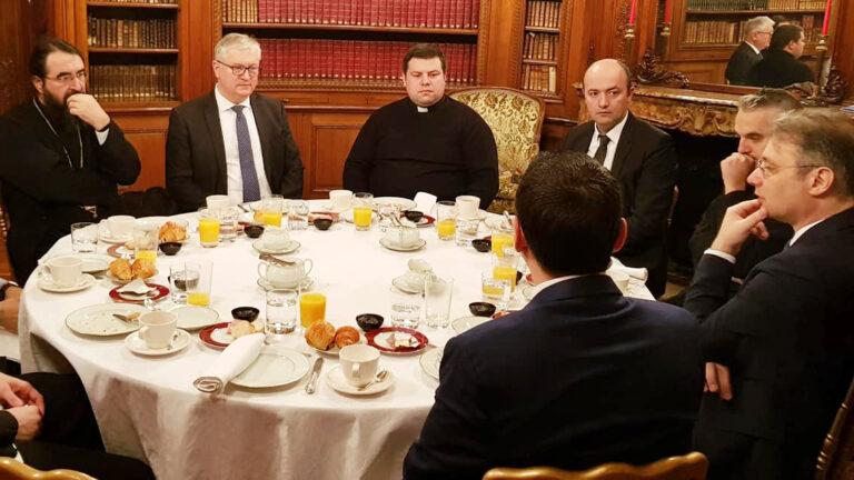 Le métropolite Joseph s'est entretenu avec l'ambassadeur de Roumanie à l'occasion de la rencontre des leaders religieux des communautés roumaines de France