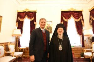Samuel Brownback, ambassadeur des États-Unis pour la liberté religieuse internationale, a rencontré le patriarche Bartholomée au Phanar
