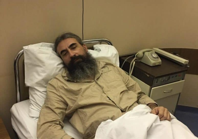 L'évêque Méthode (Église orthodoxe serbe) se remet à l'hôpital de Belgrade des coups que lui ont assenés les policiers monténégrins