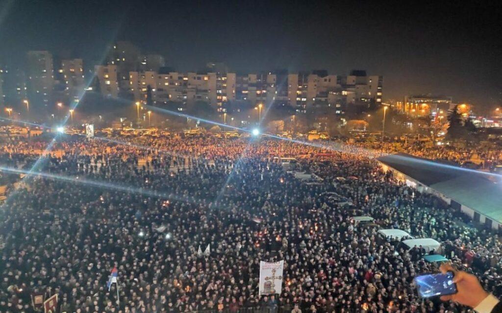 60.000 fidèles se sont rassemblés à Podgorica pour protester contre la nouvelle loi