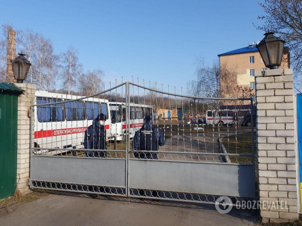 Un évêque de l'Église orthodoxe d'Ukraine a rendu visite aux personnes évacuées de Chine