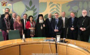 Visite du patriarche Théophile de Jérusalem en Angleterre