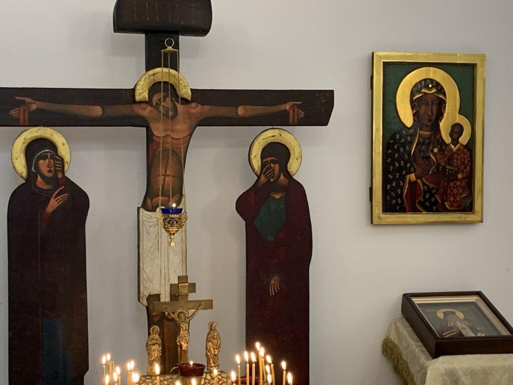 Offices des Heures et des Typiques, lus par les laïcs qui ne peuvent pas assister à la divine liturgie