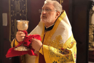 Recommandations envoyées aux prêtres de l'archevêché grec orthodoxe d'Amérique concernant la communion et l'accès aux églises