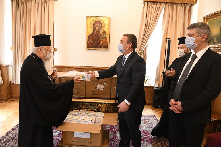 Le gouvernement hongrois a offert 10 000 masques au Patriarcat œcuménique
