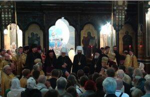 Voir ou revoir en différé la consécration des deux évêques vicaires de l'Archevêché