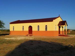 La première église dédiée à saint Joseph l'Hésychaste a été construite à Madagascar