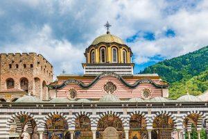 Le gouvernement bulgare alloue un montant d'un million d'euros au célèbre monastère de Rila, au bord de la faillite en raison de la pandémie