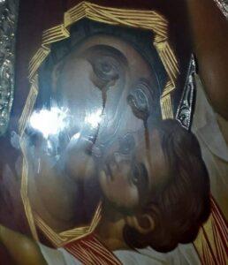 Dans la région d'Athènes, une icône de la Mère de Dieu « Consolatrice » pleure depuis trois jours