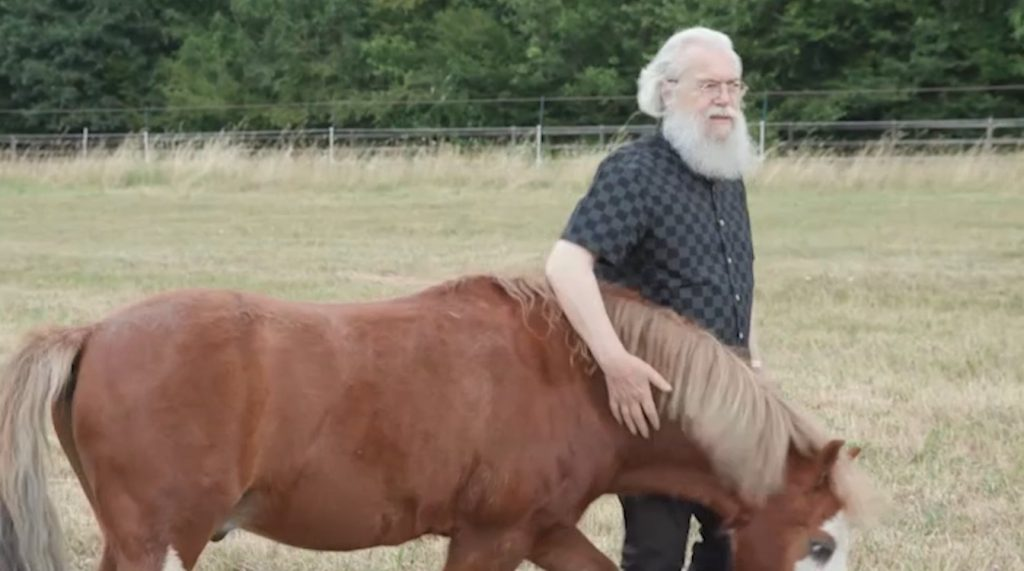 Bande-annonce du documentaire « Et l'homme donna des noms à tous les animaux » sur France 2, 1er novembre à 10H00