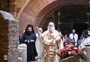 La divine liturgie de saint Marc a été célébrée au Caire sur les tombes des saints Gabriel et Kremidolis