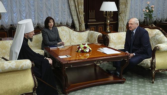 Le métropolite de Minsk Benjamin a rencontré pour la première fois le président Loukachenko