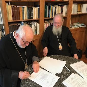 Les métropolites Emmanuel de France et Jean de Doubna ont signé un protocole d'accord