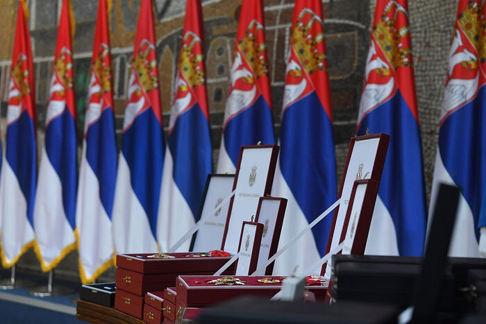 Le patriarche de Moscou Cyrille a reçu la plus haute distinction de la République de Serbie