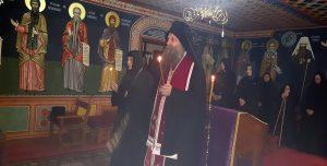 Le patriarche de Serbie Porphyre a célébré à Peć un office de requiem pour les victimes du pogrom de mars 2004 au Kosovo