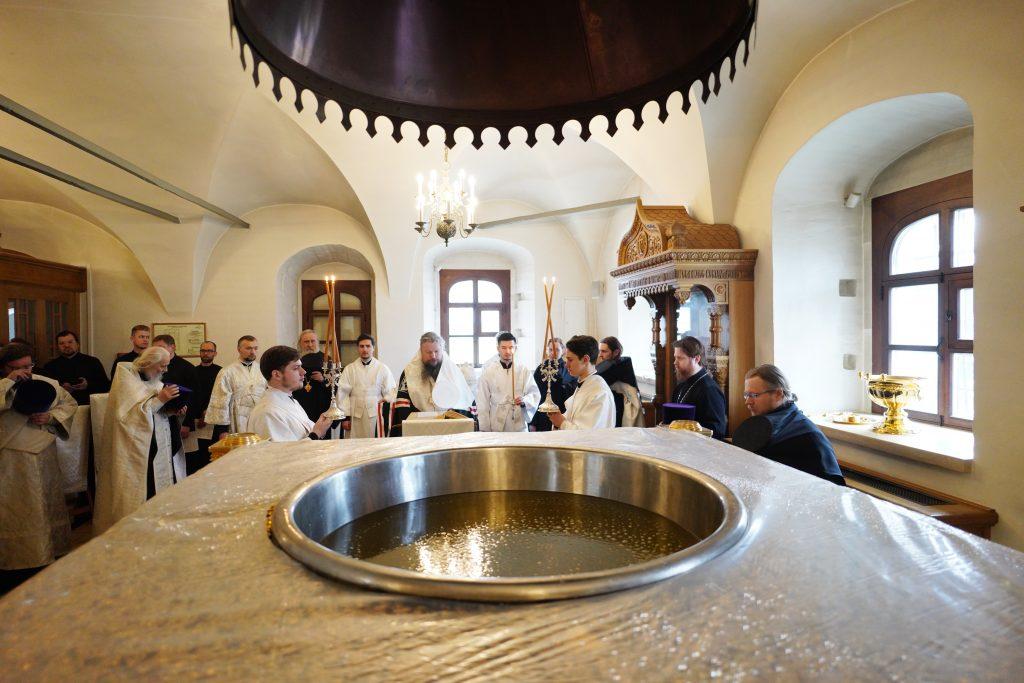 La consécration du saint chrême à Moscou