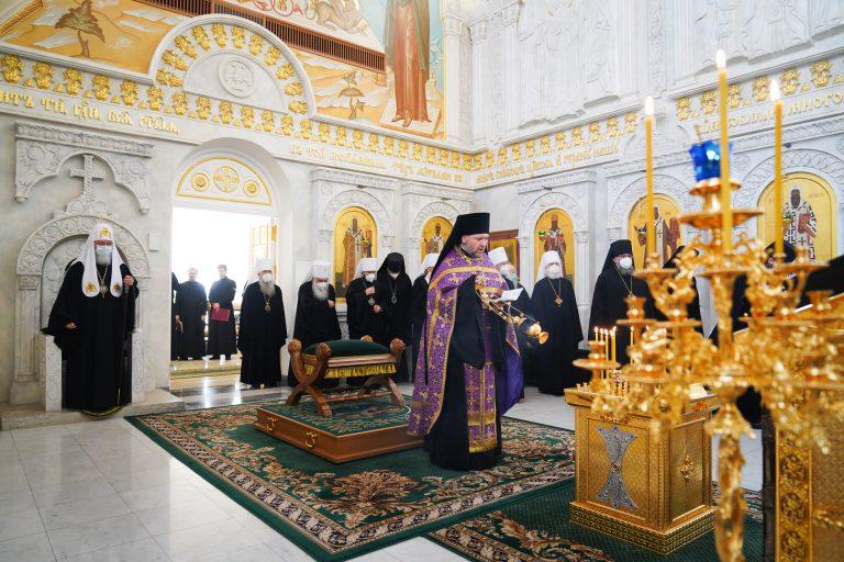 Le diocèse de Moscou est scindé en cinq évêchés réunis en une métropole