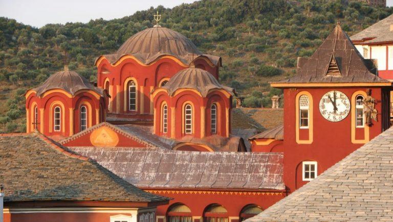 Les restrictions sanitaires sont prolongées jusqu'au 10 mai 2021 sur le Mont Athos