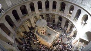 Accéléré («time lapse») de la cérémonie du «Feu sacré» à Jérusalem